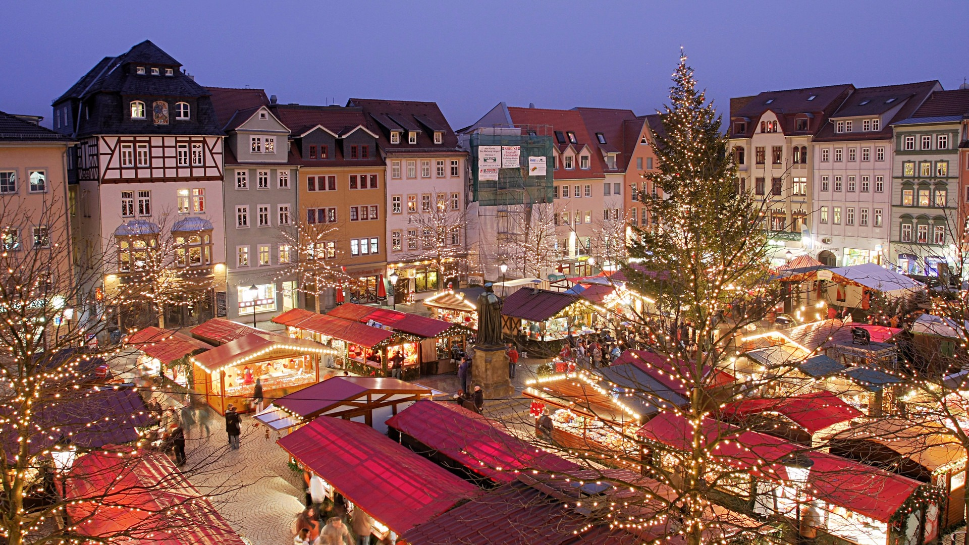 Christmas In Europe Wallpaper.Europe Where To Shop For Christmas Gifts